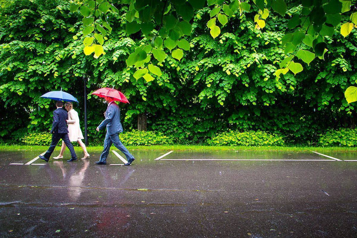 Regenhochzeit in Düsseldorf