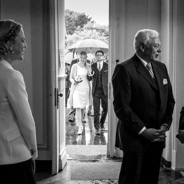Hochzeitsfotos im Standesamt mit Hochzeitsfototgrafin Düsseldor