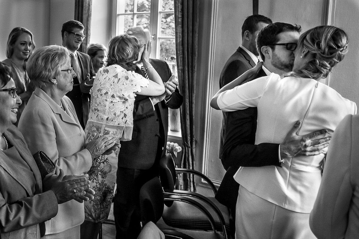 Emotionale Hochzeitsfotos im Standesamt