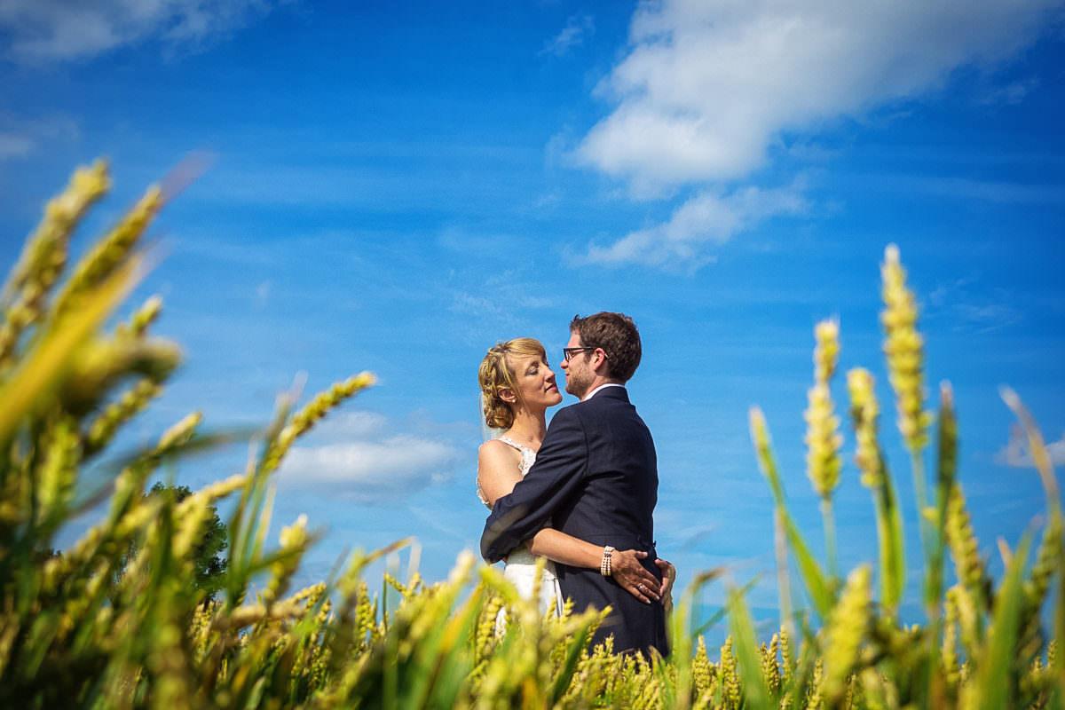 Hochzeitsfotos im Kornfeld