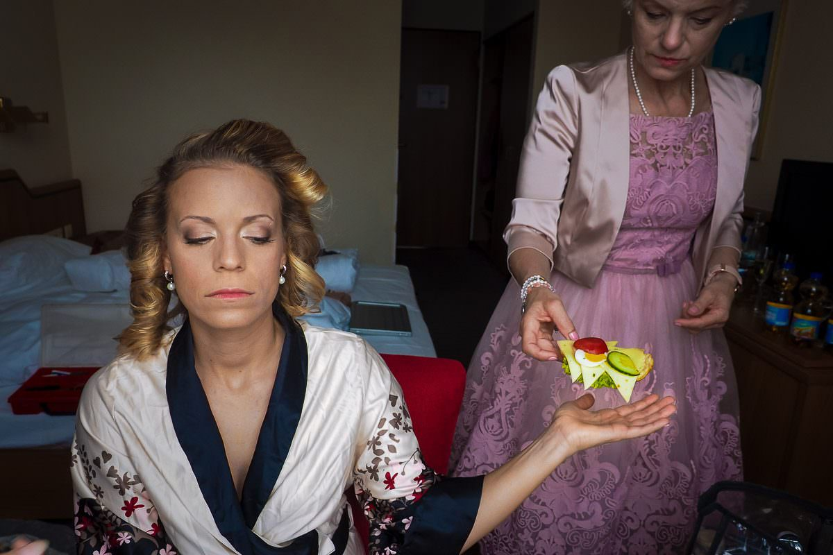 Getting Ready mit Hochzeitsfotograf Köln