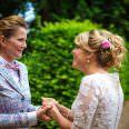 First Look lesbische Hochzeit mit Hochzeitsfotograf