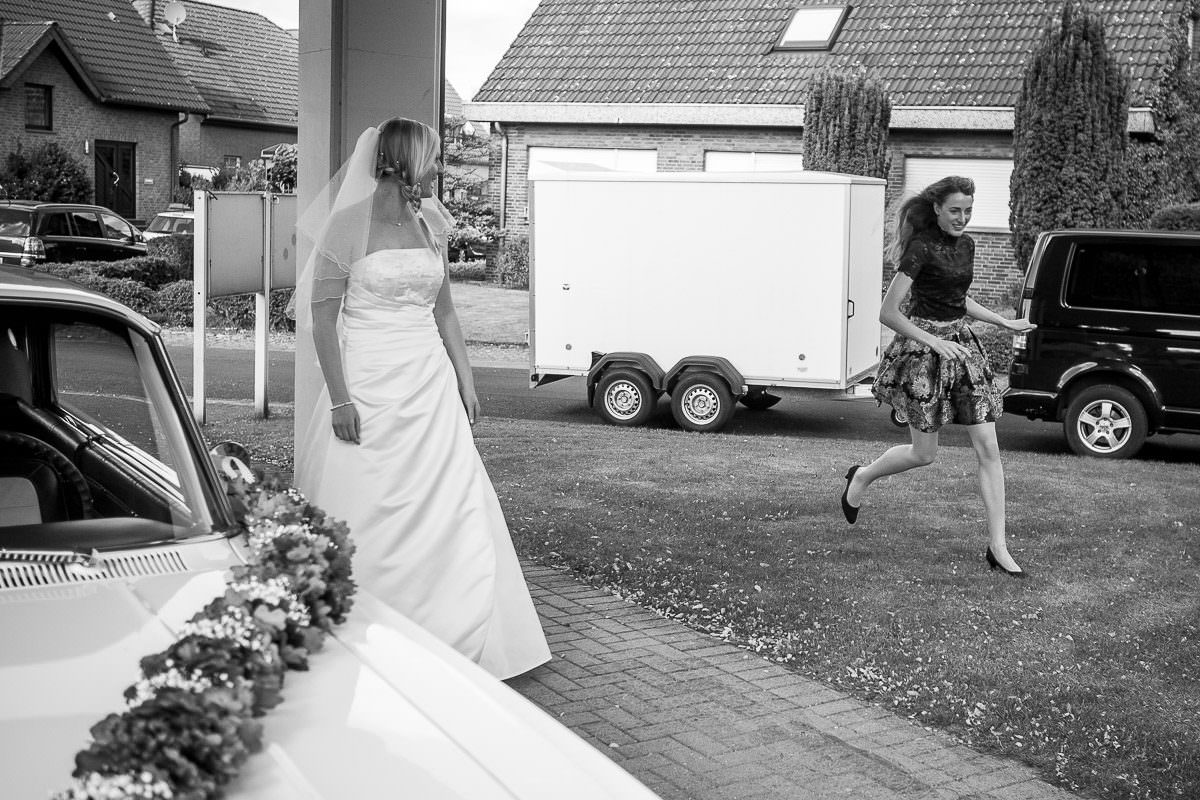 Verspätet zur Hochzeit mit Trauzeugin