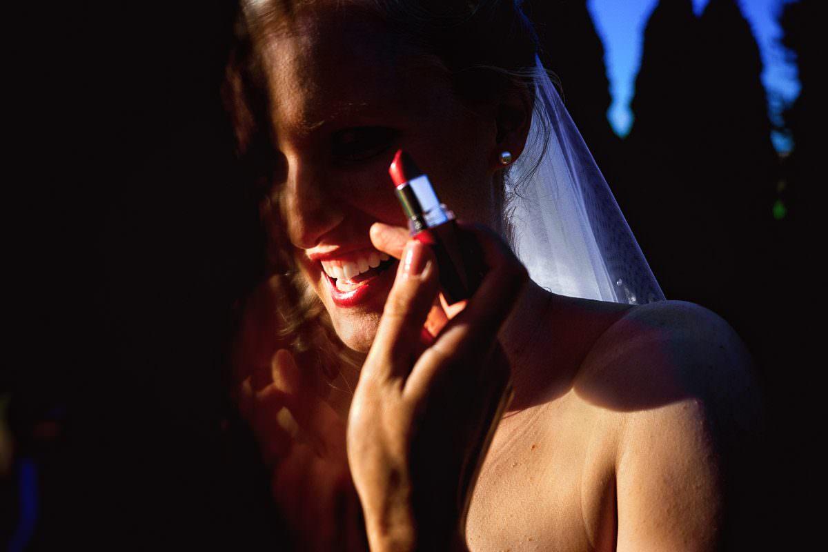 Brautmakeup mit Lippenstift