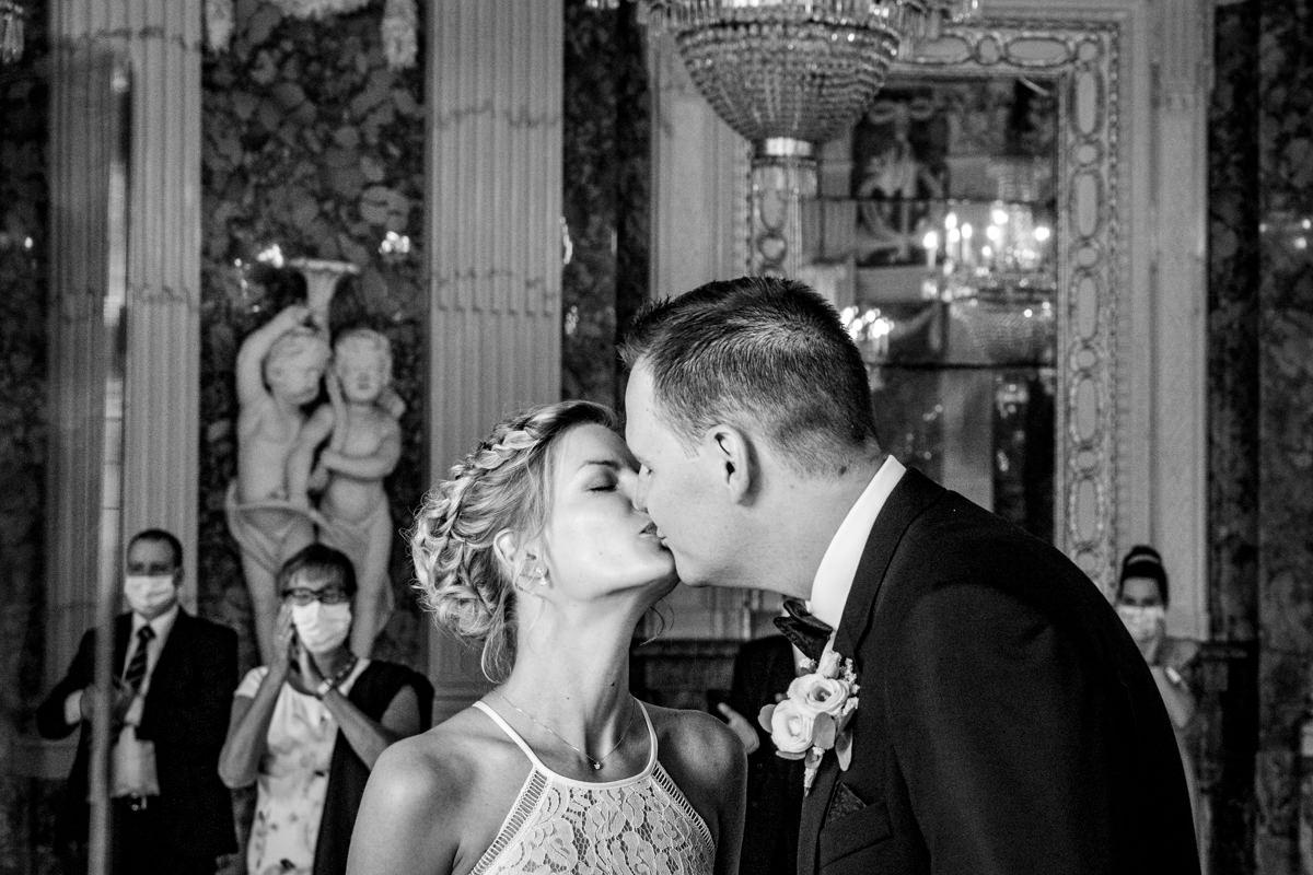 Heiraten auf Schloss Benrath mit Hochzeitsfotografin Duesseldorf-2