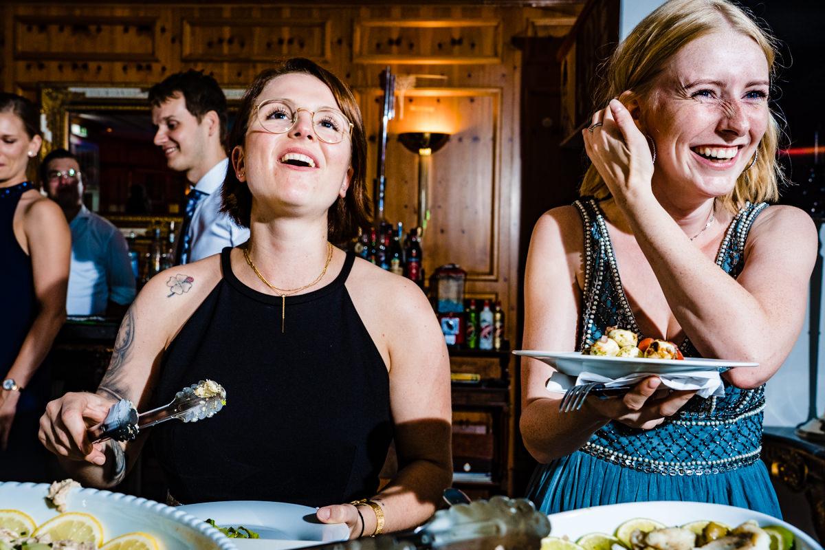 Hochzeitsbuffett Deichgraf Duesseldorf mit bester Hochzeitsfotograf NRW