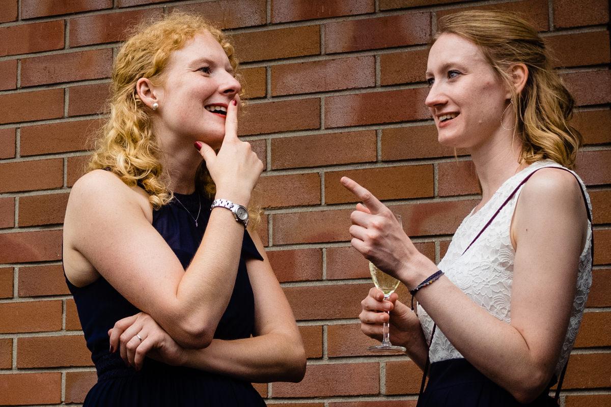 Hochzeitsgaeste Deichgraf Duesseldorf mit beste Hochzeitsfotograf Duesseldorf