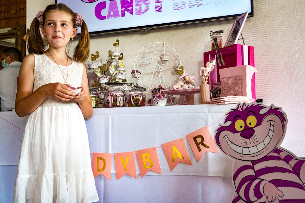 Natuerliche Hochzeitsfotos mit Candybar im Deichgraf Duesseldorf mit Hochzeitsfotograf Duesseldorf