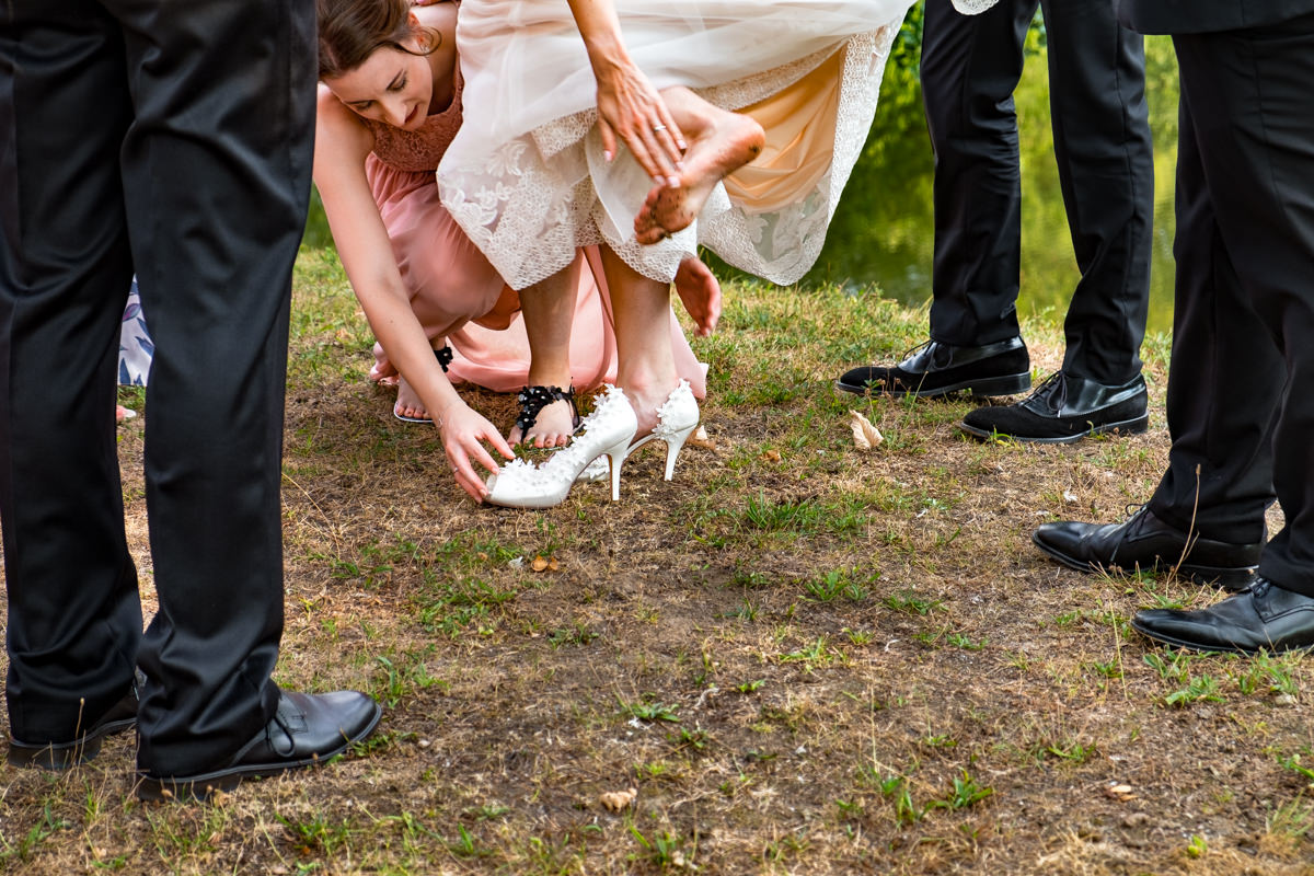 Reportagefotos fuer Hochzeit im Restaurant Deichgraf Duesseldorf mit Hochzeitsfotograf Duesseldorf-2
