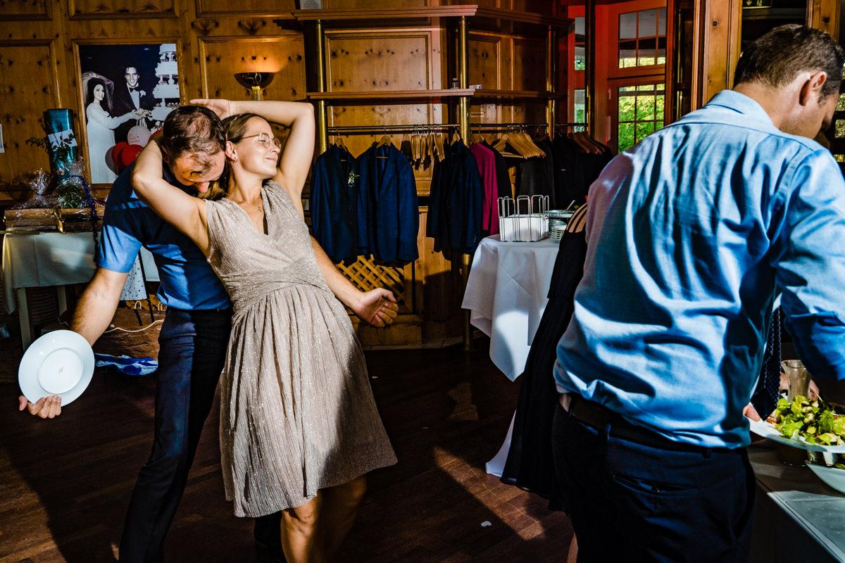 Schnoerkellose Hochzeitsreportage mit bester Hochzeitsfotograf Duesseldorf