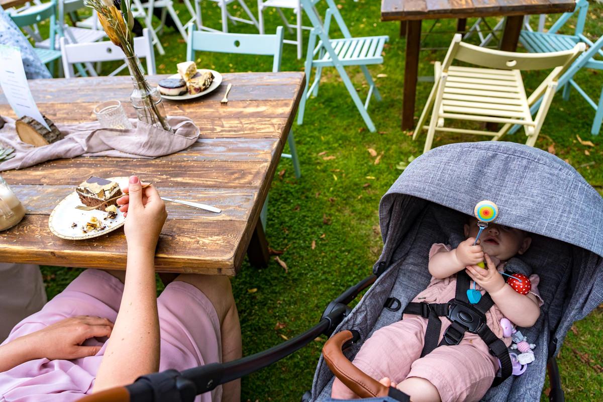 Hochzeit mit Baby mit Hochzeitsfotograf Duesseldorf