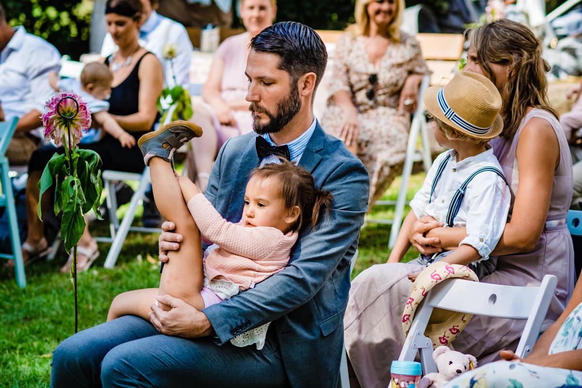 Hochzeit mit Kindern im Freien mit Hochzeitsfotograf Solingen-2