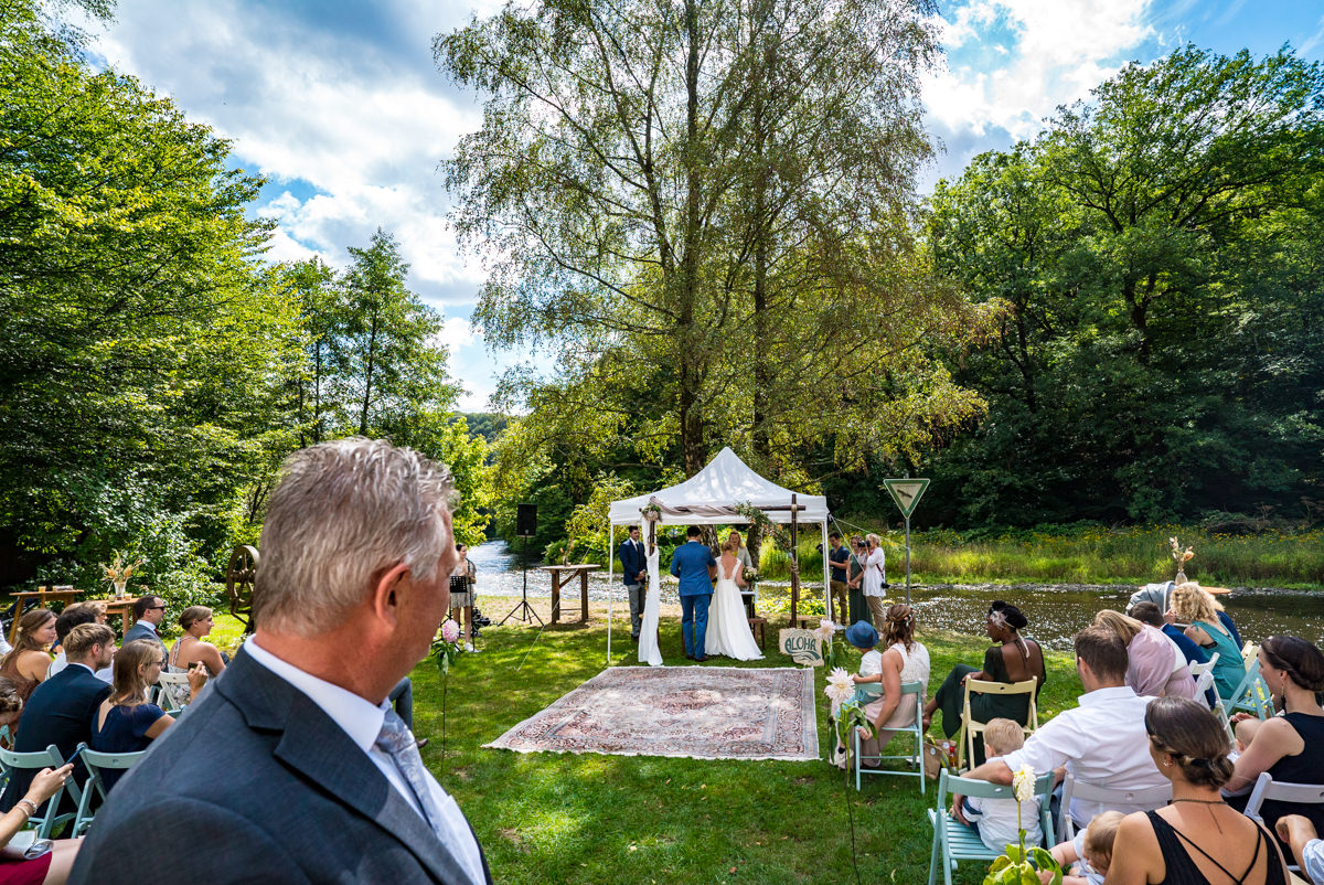 Standesamtliche Trauung Balkhauser Kotten mit Hochzeitsfotograf Solingen
