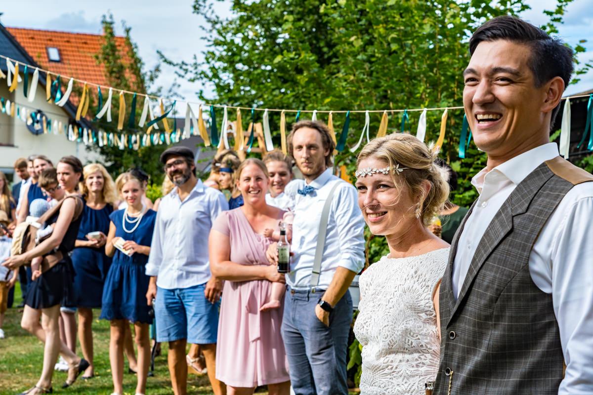 Vintage Hochzeit im eigenen Garten mit Hochzeitsfotograf Duesseldorf