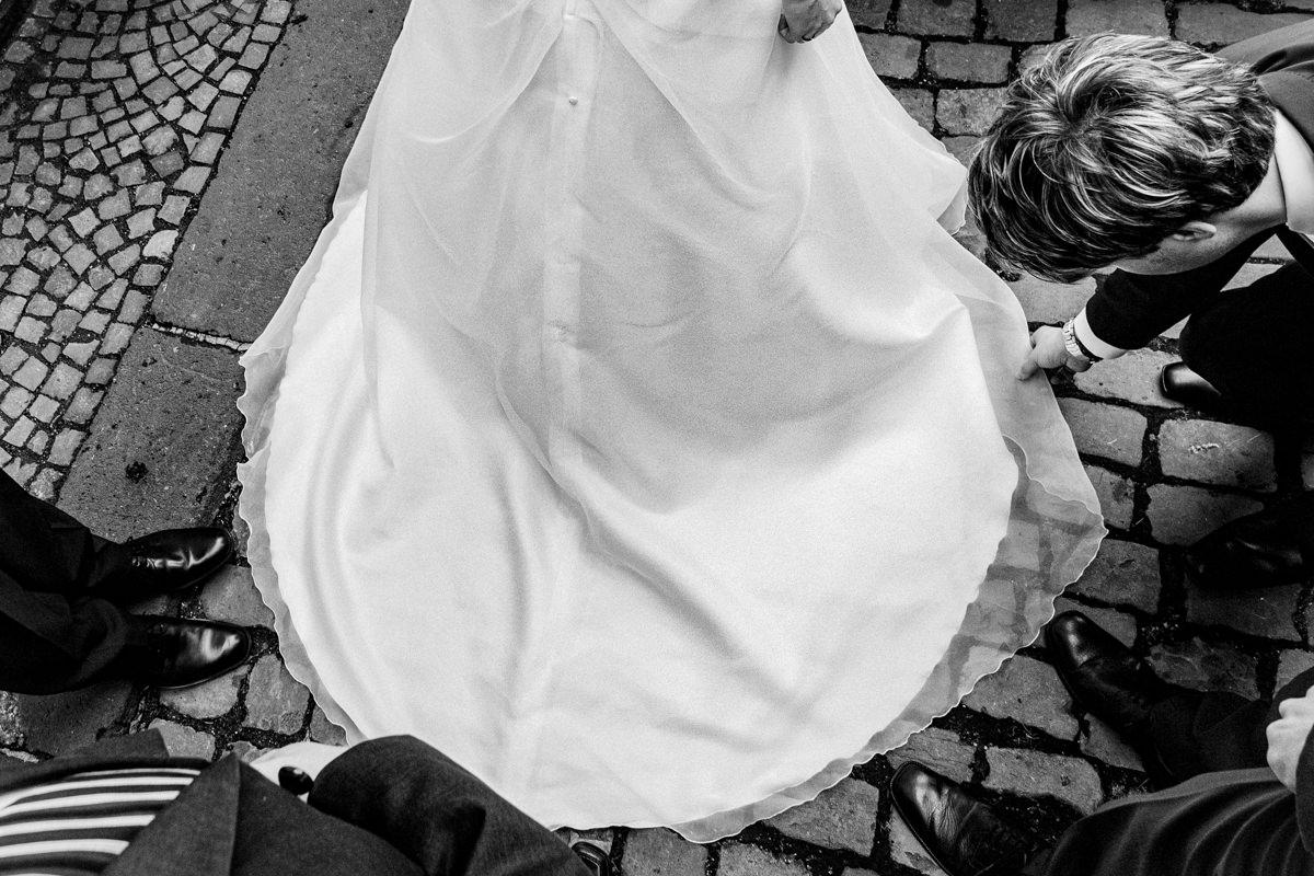 Brautkleid Solingen mit Hochzeitsfotograf Solingen