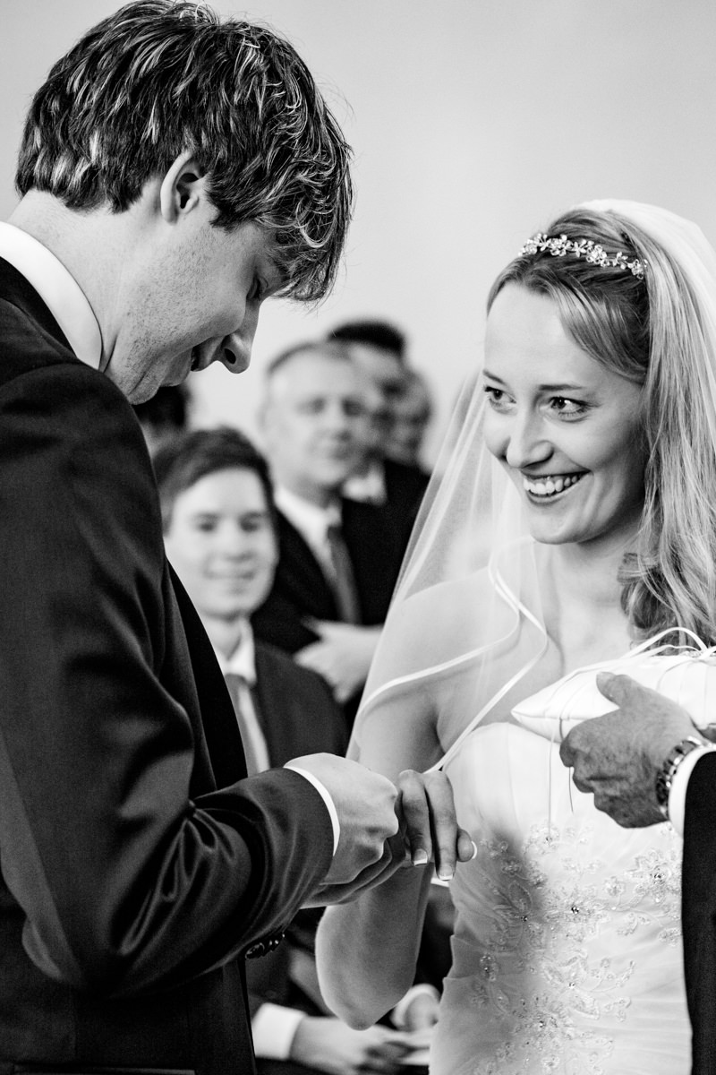 Brautpaar bei evangelischer Trauung Solingen-2