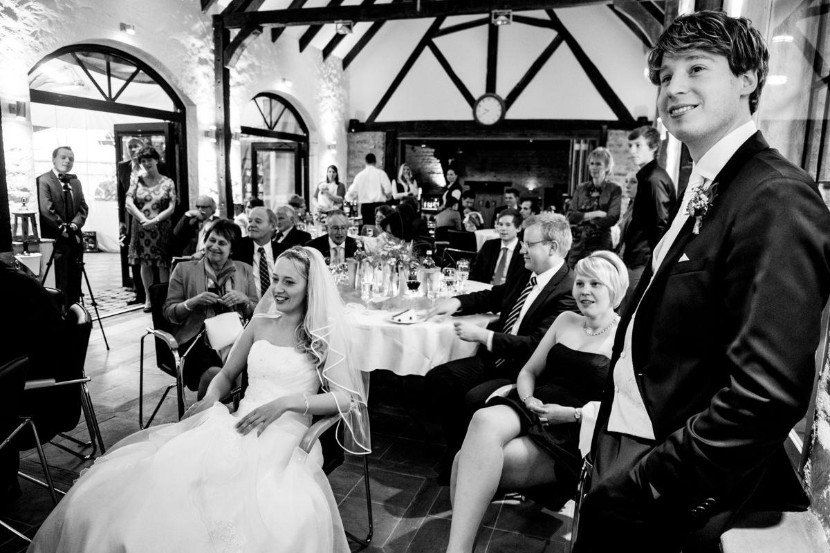Hochzeitsspiele bei Hochzeitsfeier Schloss Gruenewald Solingen mit Hochzeitsfotograf Solingen