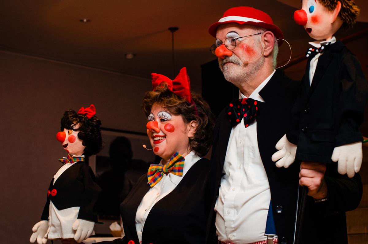 Auftritt Karnevalsduo bei Hochzeitsfeier Koeln im Schokoladenmuseum mit Hochzeitsfotograf Koeln