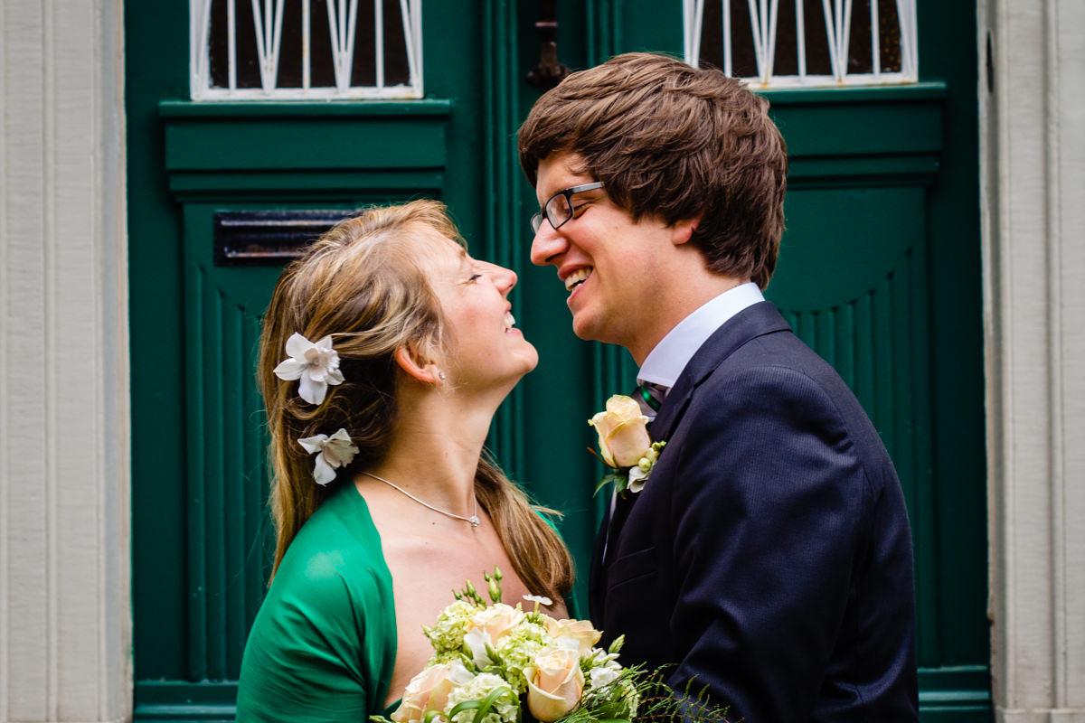 Brautpaar bei Hochzeit im Standesamt Solingen Haus Kirschheide mit Hochzeitsfotograf Solingen