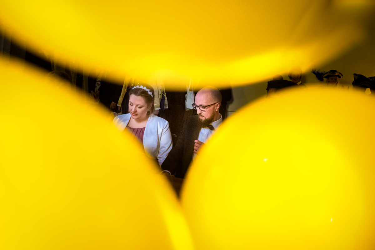 Brautpaar im Standesamt Rathaus Koeln mit Hochzeitsfotograf Koeln