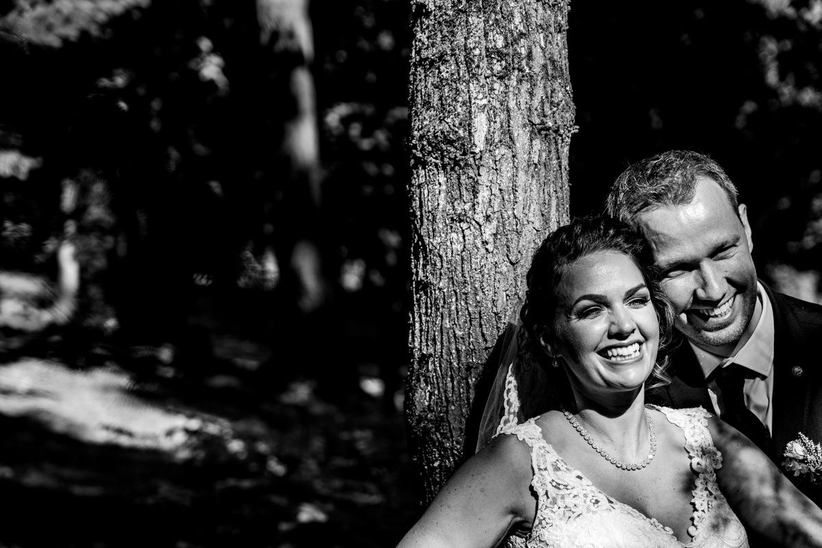 Brautpaarfotos in Redoute Bonn mit Hochzeitsfotograf Bonn