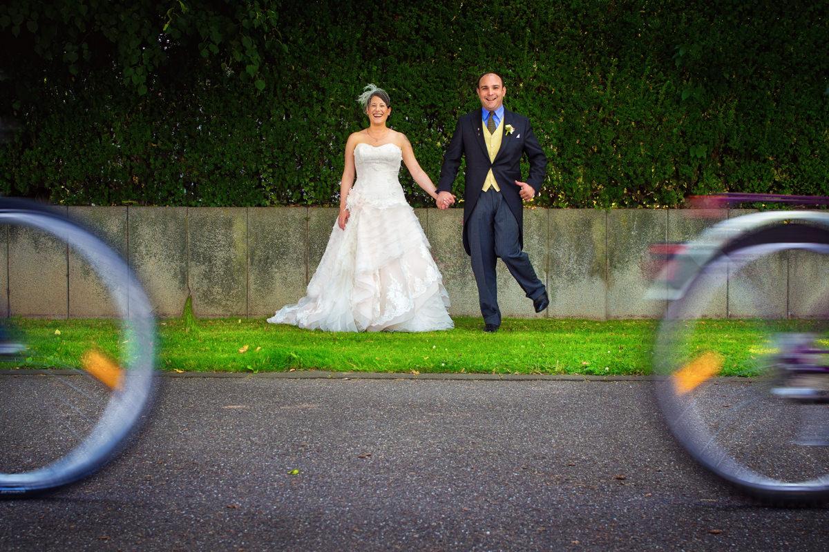 Brautpaarshooting Bonn in Hochzeitslocation Bonn Rheinhotel Dreesen mit Hochzeitsfotograf Bonn-6