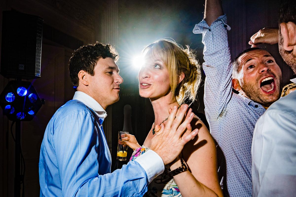 Coole Partyfotos bei Hochzeitsparty Bonn mit Hochzeitsfotograf Bonn-7
