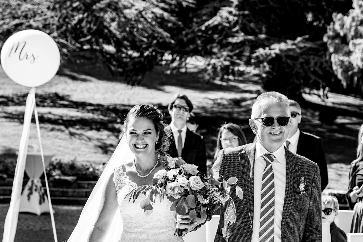 Emotionale sommerhochzeit in Hochzeitslocation Bonn mit Hochzeitsfotograf Bonn