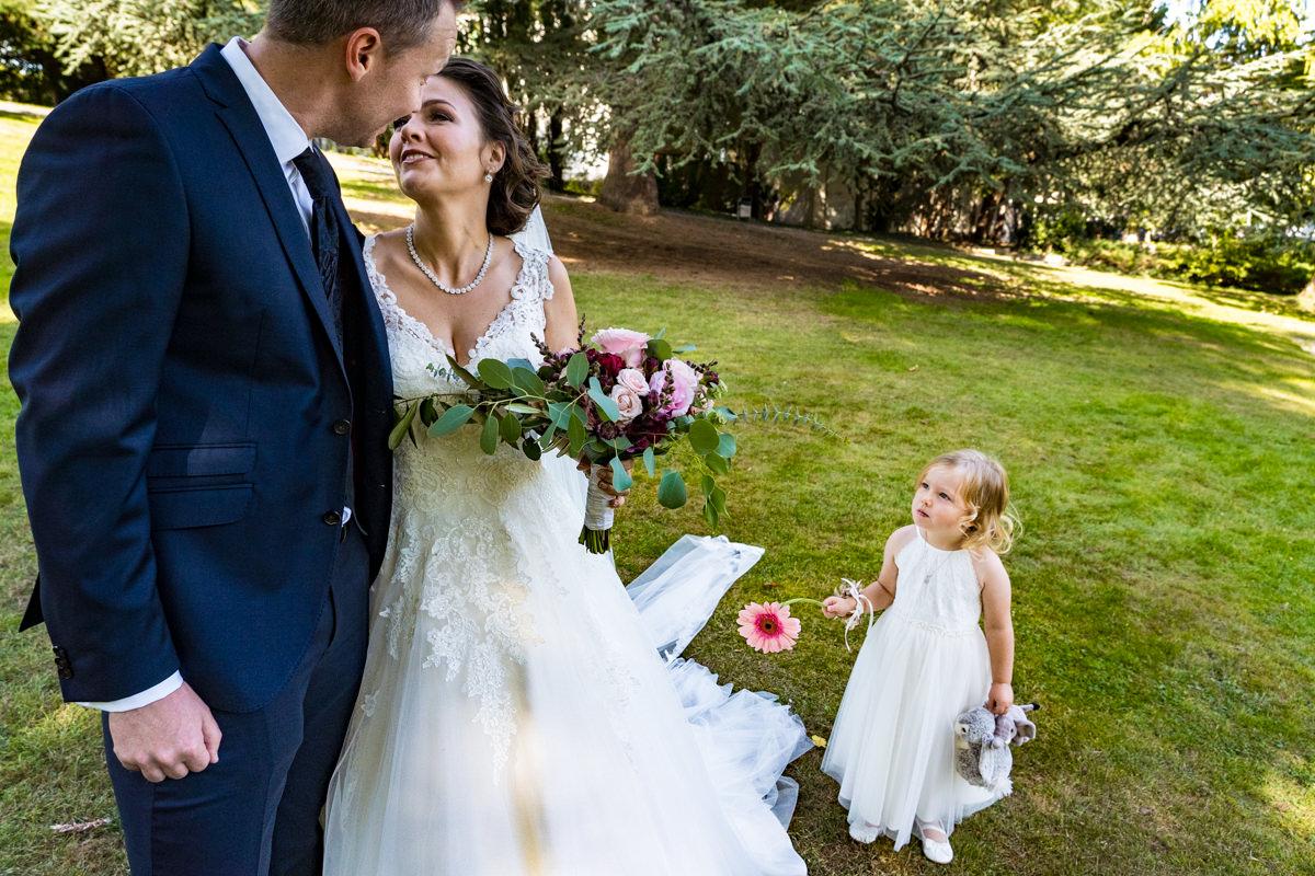 First Look Hochzeitsfotos in Park Redoute Bonn mit Hochzeitsfotograf Bonn