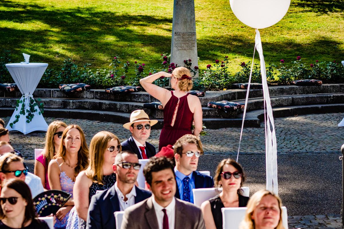 Freie Trauung in Hochzeitslocation Bonn Redoute mit Hochzeitsfotograf Bonn-2
