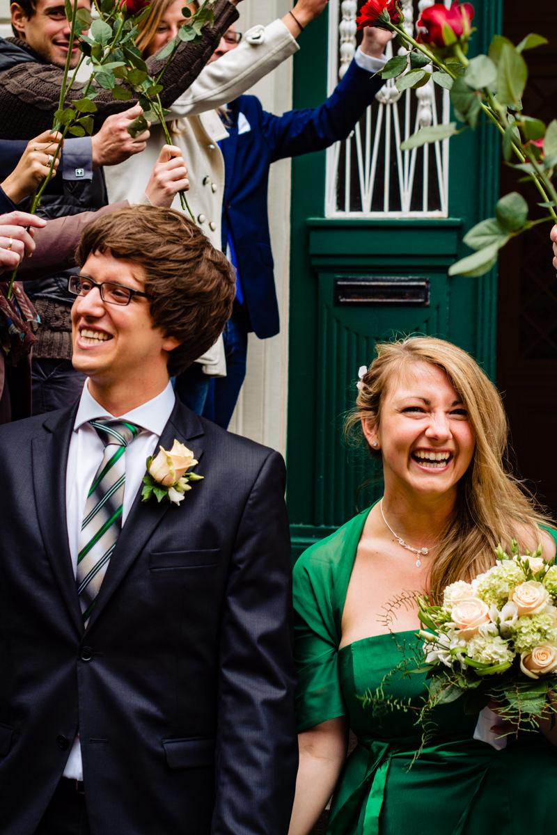 Gratulation bei Trauung im Standesamt Solingen Haus Kirschheide mit Hochzeitsfotograf Solingen-2
