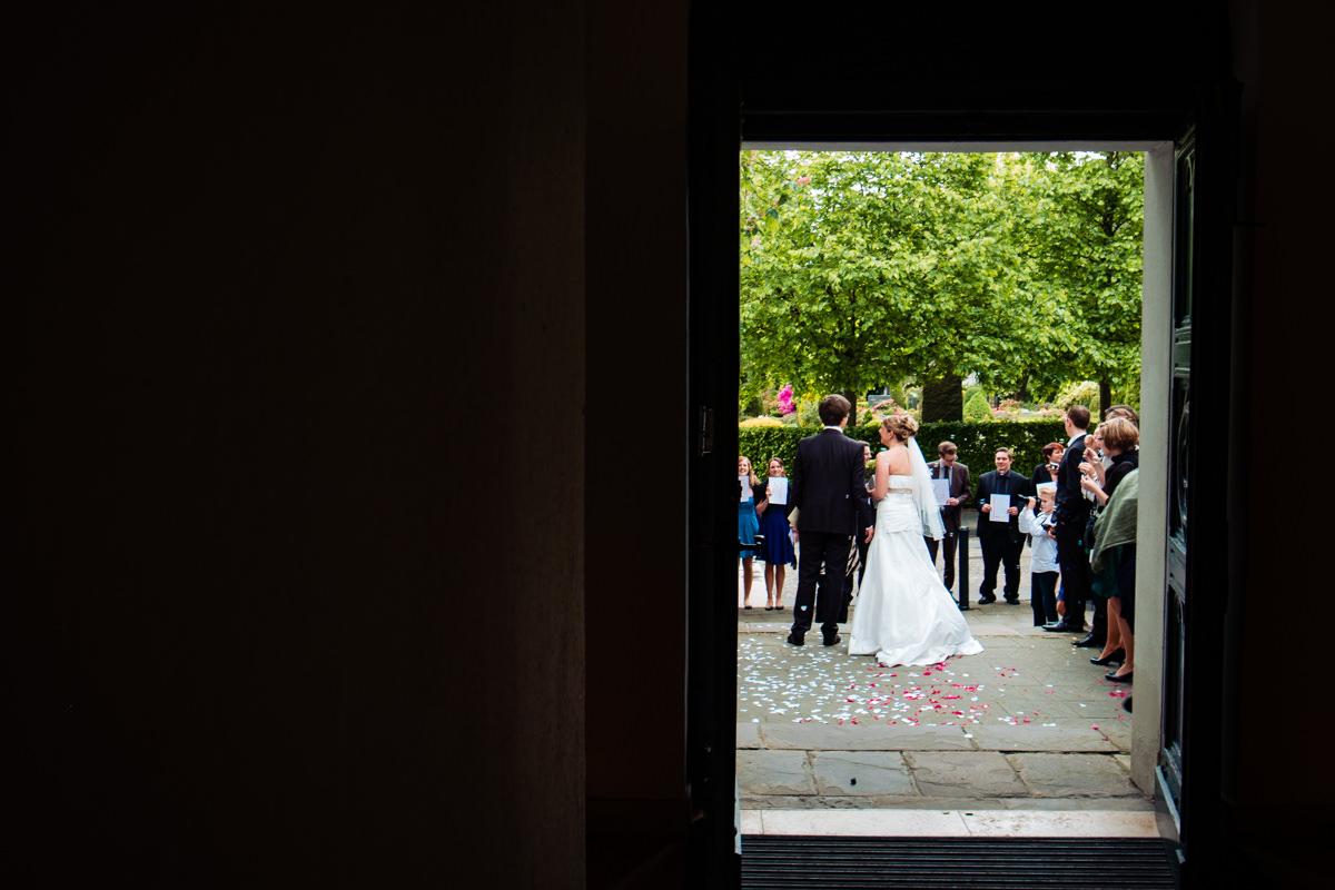 Heiraten in evangelischer Kirche Solingen Widdert mit Hochzeitsfotograf Solingen-3