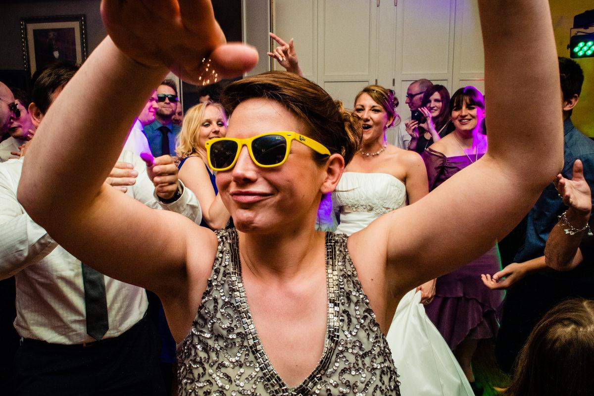 Hochzeitparty bei Hochzeitsfeier in Restaurant Ruedenstein Solingen-3