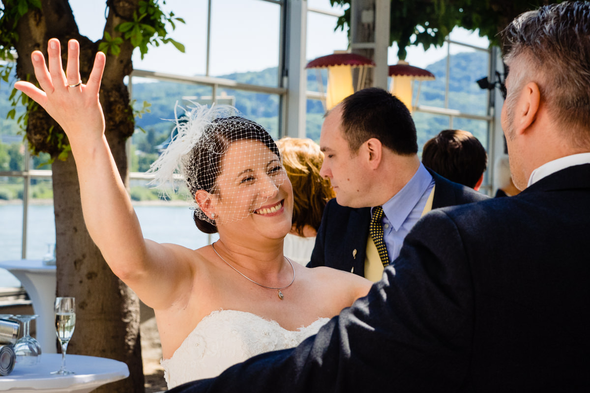 Hochzeitsempfang bei Hochzeit in Bonn Hochzeitslocation Bonn rheinhotel Dreesen mit Hochzeitsfotograf Bonn-4