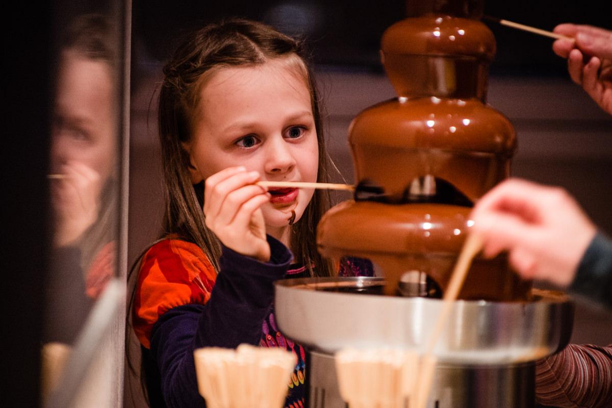 Hochzeitsfeier Koeln im Schokoladenmuseum mit Hochzeitsfotograf Koeln-7