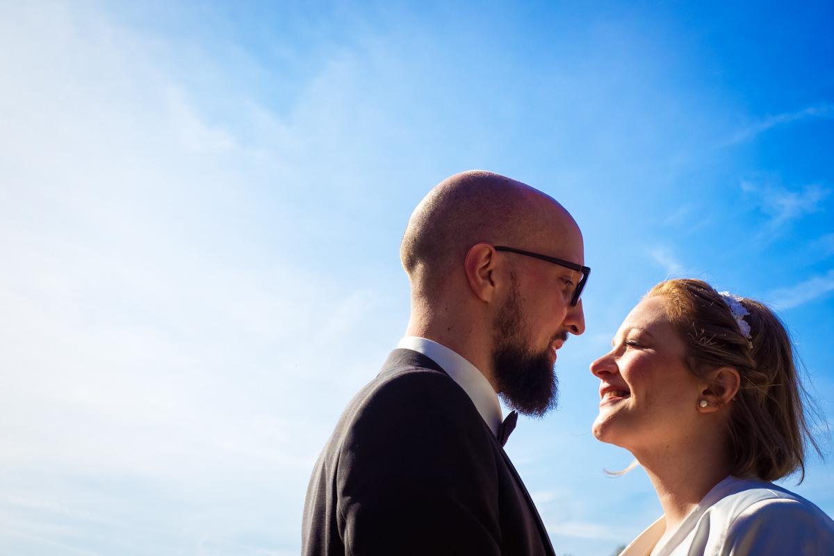 Hochzeitsfotos Brautpaar bei Hochzeitslocation Köln Haus am See mit Hochzeitsfotograf Köln
