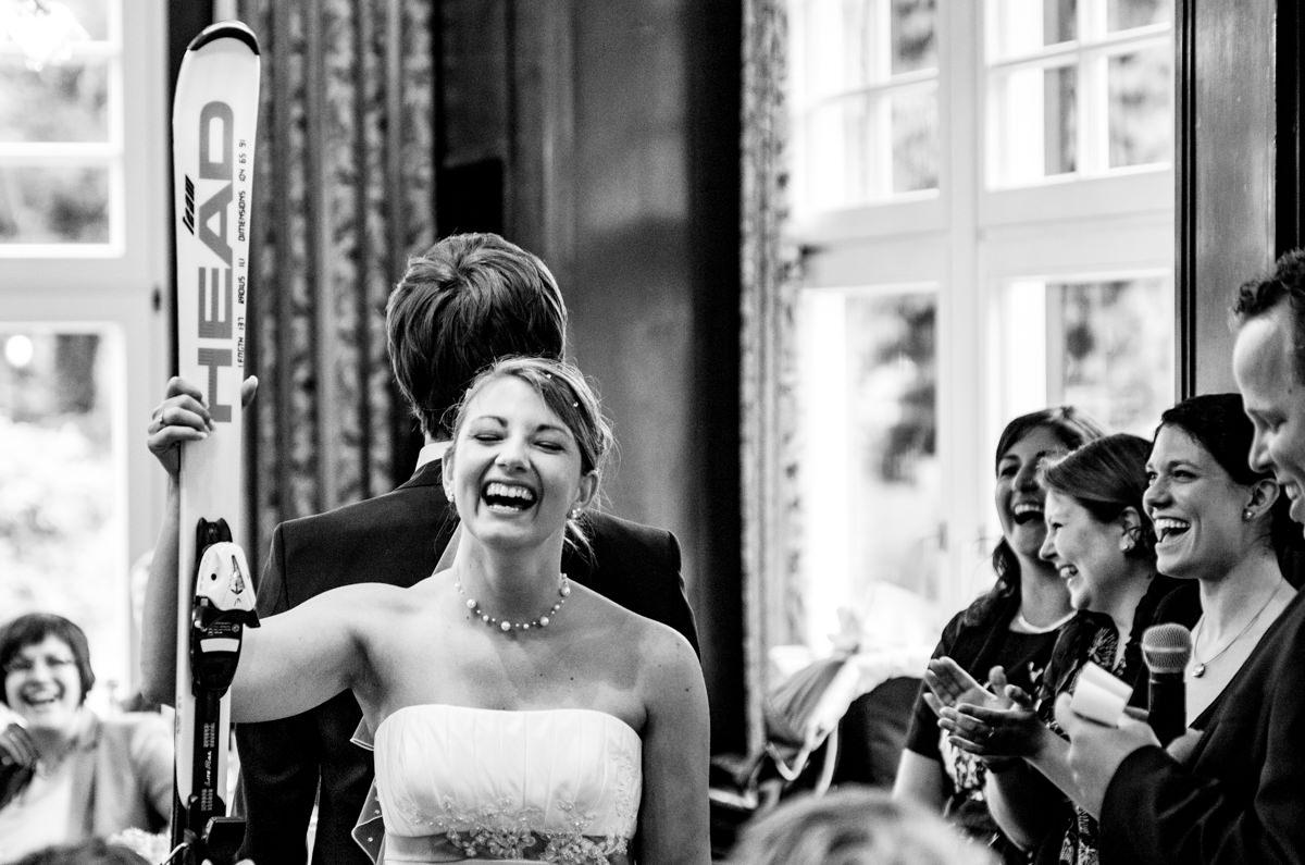 Hochzeitsgaeste bei Hochzeit in Restaurant Ruedenstein Solingen-5