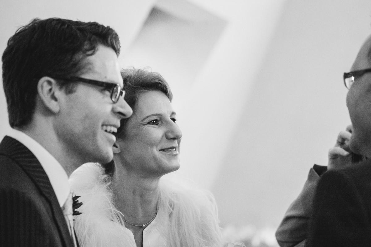 Hochzeitsgaeste bei Hochzeitslocation Koeln Schokoladenmuseum mit Hochzeitsfotograf Koeln