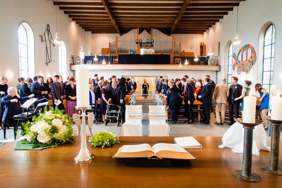 Hochzeitspaar bei kirchlicher Trauung Solingen Widdert mit Hochzeitsfotograf Solingen-2