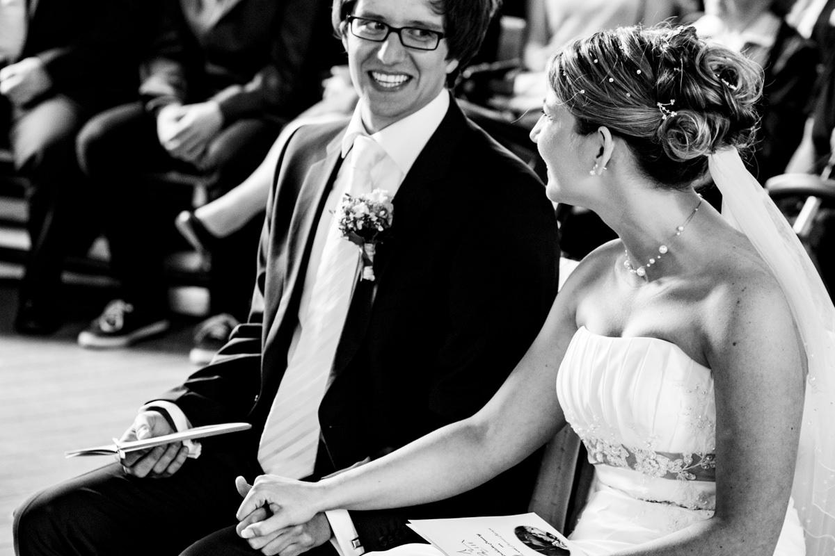 Hochzeitspaar bei kirchlicher Trauung Solingen Widdert mit Hochzeitsfotograf Solingen-5