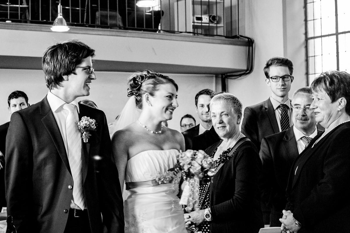 Hochzeitspaar bei kirchlicher Trauung Solingen Widdert mit Hochzeitsfotograf Solingen