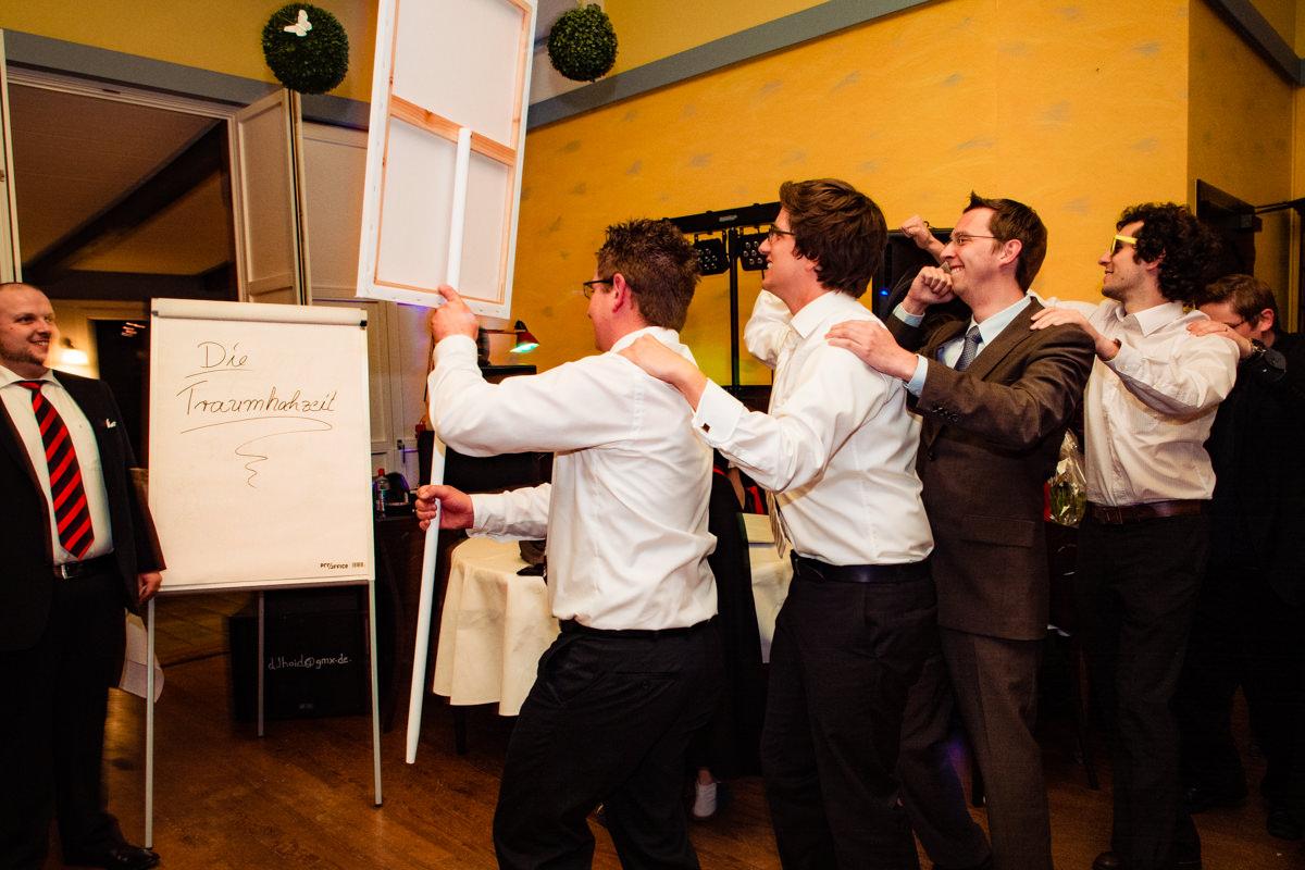 Hochzeitsspiele bei Hochzeitsfeier in Restaurant Ruedenstein Solingen-3