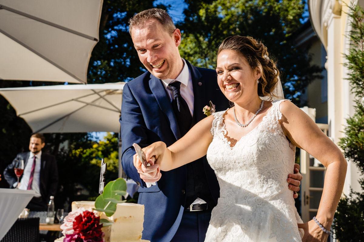 Hochzeitstorte Bonn mit Hochzeitsfotograf Bonn