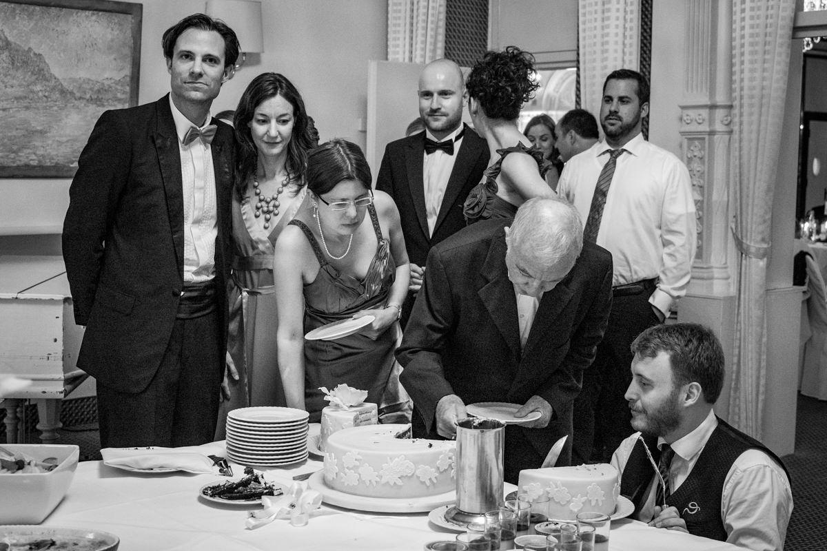 Hochzeitstorte bei Hochzeitsempfang in Bonn Bad Godesberg mit Hochzeitsfotograf Bonn-2