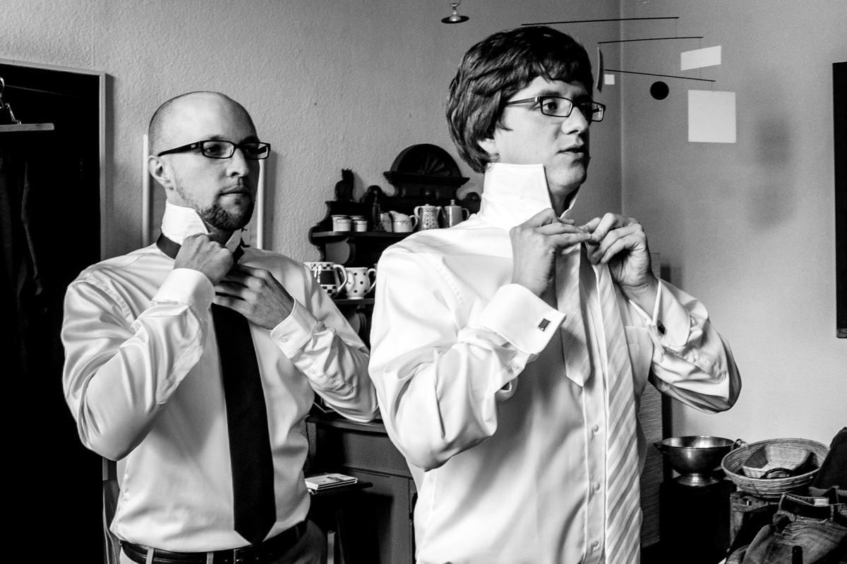 Hochzeitsvorbereitung Braeutigam Solingen mit Hochzeitsfotograf Solingen