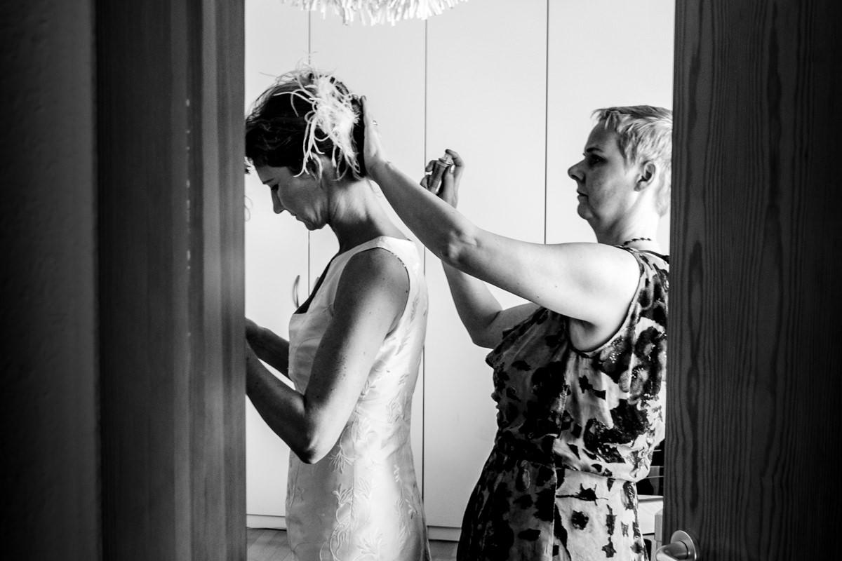 Hochzeitsvorbereitung Braut Koeln mit Hochzeitsfotograf Koeln