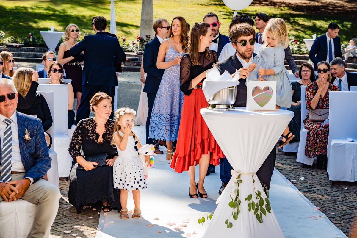 Sandzeremonie für Hochzeit mit Hochzeitsfotograf Bonn-2