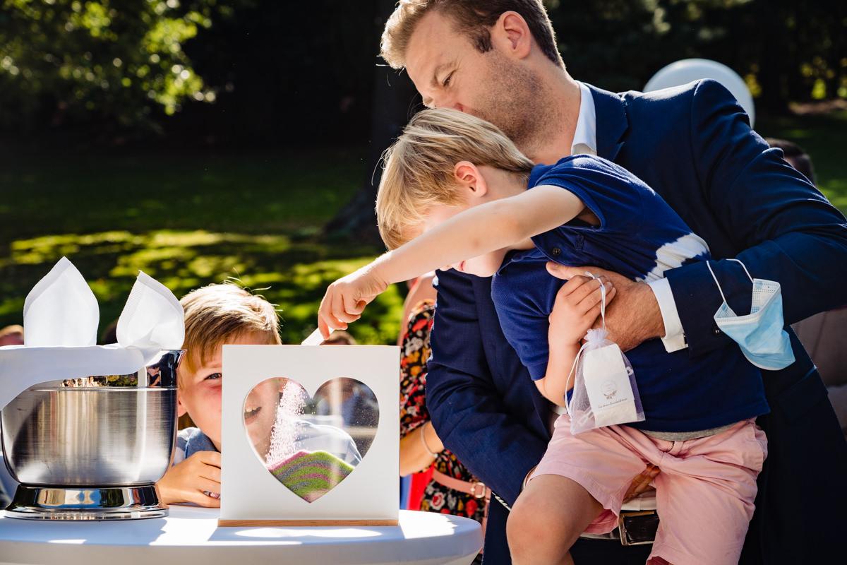 Sandzeremonie für Hochzeit mit Hochzeitsfotograf Bonn