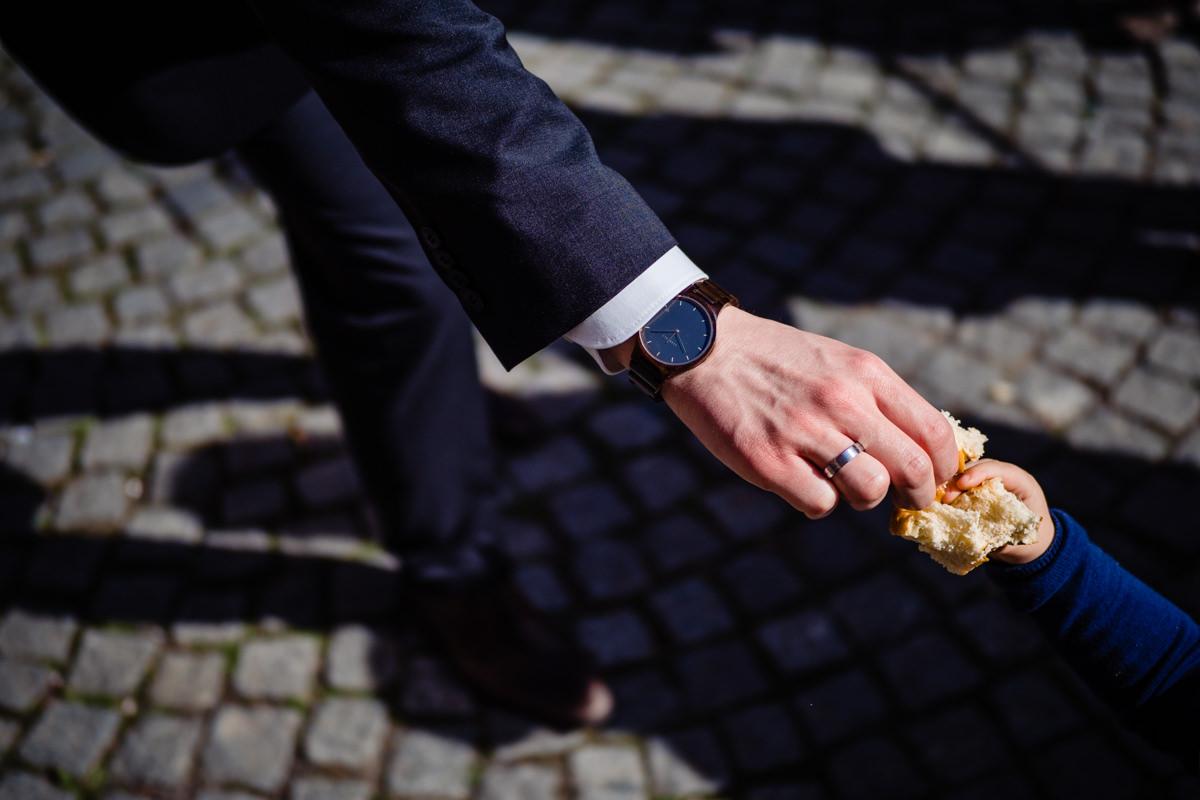 Sektempfang bei Hochzeit im Standesamt Rathaus Köln mit Hochzeitsfotograf Köln-4