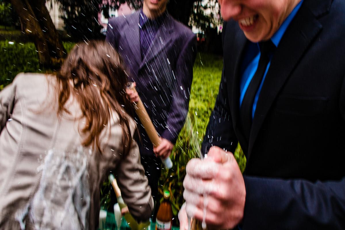 Sektempfang bei Hochzeit im Standesamt Solingen Haus Kirschheide mit Hochzeitsfotograf Solingen-4